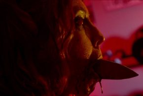 Una ladra a casa di un occultista nell'horror The Night Sitter – Il trailer